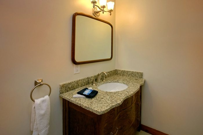 Gatlinburg Cabin with Luxurious Bathrooms - 4 Seasons Gatlinburg