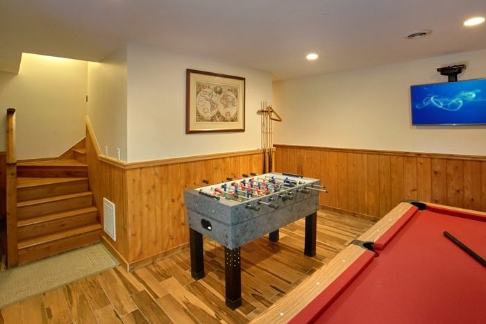 3 Bedroom Cabin with Game Room and Foosball Game - 4 Seasons Gatlinburg