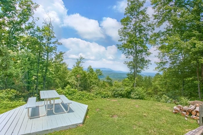Private Cabin with Mountain View & Picnic Table - 4 Seasons Gatlinburg