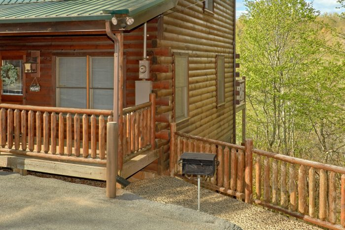 2 bedroom with charcoal grill and gas grill - A Bear Endeavor