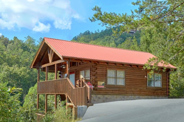 A Beary Happy Place Cabin Rental Photo