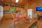 2 Bedroom Cabin with Dining Room and Kitchen