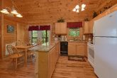 2 Bedroom Cabin with a Fully-Stocked Kitchen