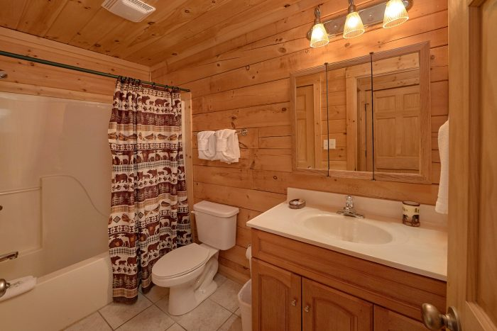 2 Bedroom Cabin with 2 Full Bathrooms - A Cozy Cabin