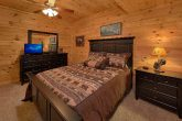 Cozy 2 Bedroom Cabin with 2 Queen Beds