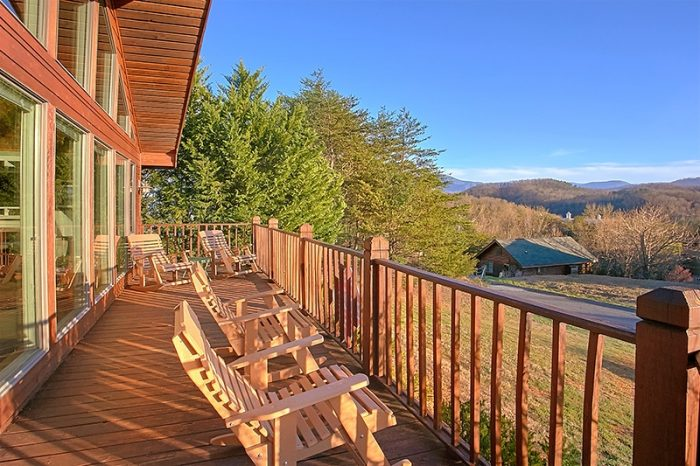 Cabin in Pigeon Forge with Views of the Mountain - A Dream Come True