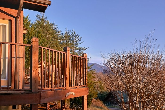 2 Bedroom Cabin with Mountain Views - A Dream Come True