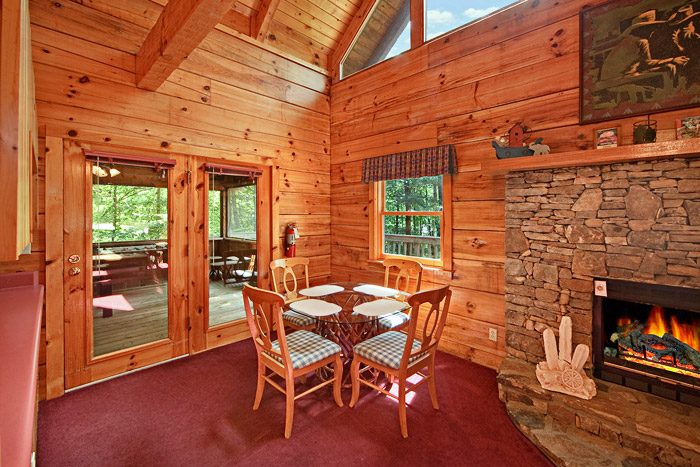 Dining Table in Cabin - A Hidden Mountain 360