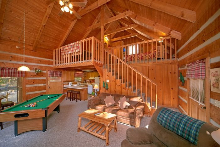 Cabin with Fireplace in living room and Loft - A Hummingbird Hideaway