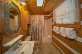 2 Bedroom Cabin with 2 Full Baths