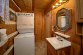 2 Bedroom Cabin with Washer and Dryer