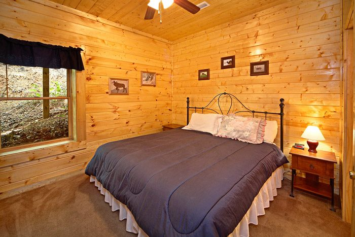 Bedroom with King Sized Bed - A Mountain Lodge