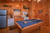 1 Bedroom Cabin with Pool Table and Full Kitchen