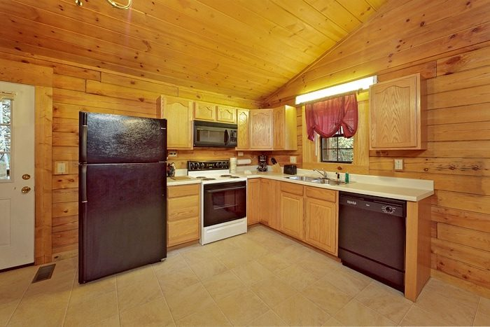 Pigeon Forge Cabin with Fully Equipped Kitchen - A Peaceful Getaway