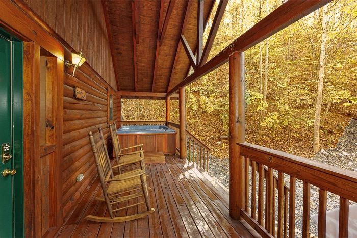 Private 1 Bedroom Smoky Mountain Cabin - A Peaceful Getaway