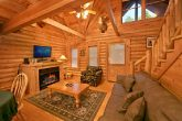 2 bedroom cabin with fireplace and WIFI