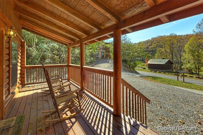 Affordable 1 Bedroom Cabin Rental In Smoky Mountains