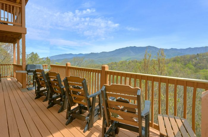 Luxurious 5 Bedroom Cabin in Gatlinburg - A Spectacular View to Remember
