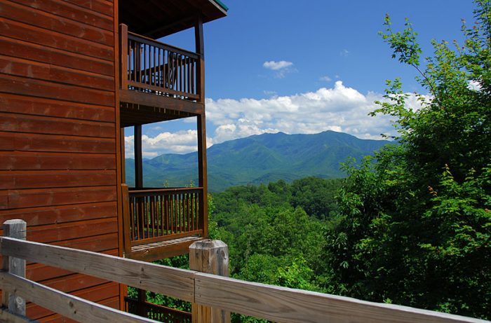 Gatlinburg 5 Bedroom Cabin All Suites - A Spectacular View to Remember