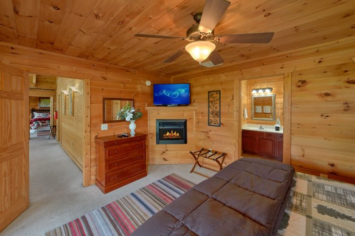 5 Bedroom Cabin with In-Suite Fireplace - A View From Above