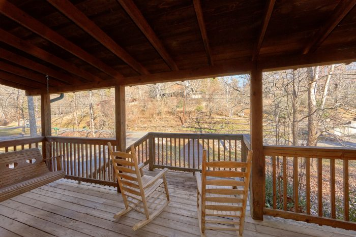 Pigeon Forge Cabin with Covered Front Porch - Absolute Heaven