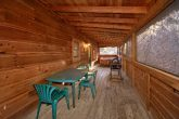 2 Bedroom Cabin with Screened in Back Porch