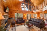 Cabin with 7 bedrooms and 7 baths