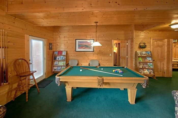 Pigeon Forge Cabin with Pool Table - Alexander the Great