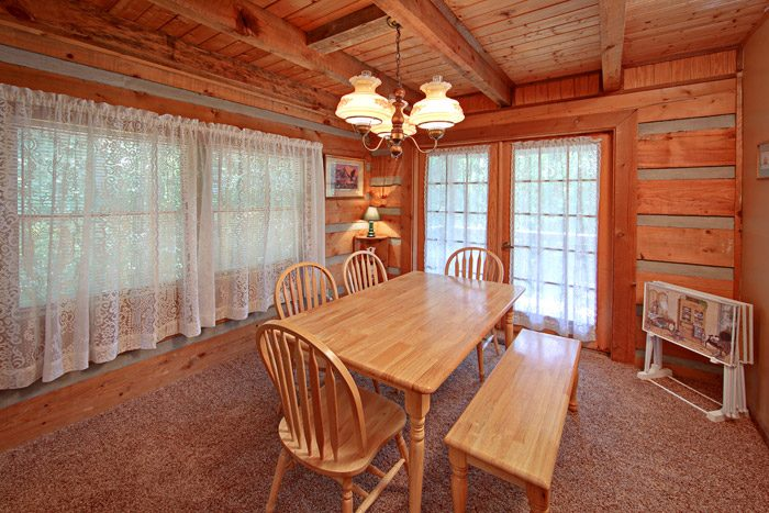 Cabin with Dining Room - Amazing Majestic Oaks