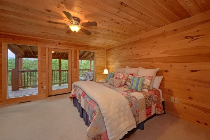 Spacious King Bedroom with mountain Views - Amazing Views to Remember