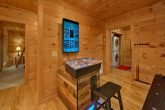 Cabin with 2 Arcades, Pool Table and Air Hockey