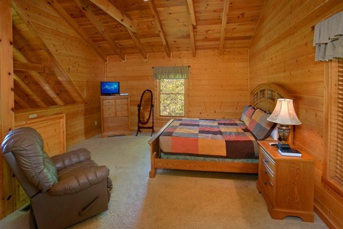 Spacious King Suite in 2 Bedroom Cabin - American Pie 2