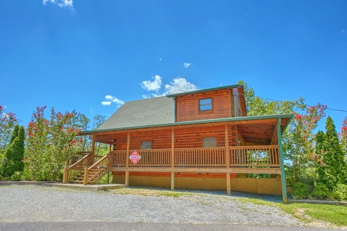 2 Bedroom Cabin with Flat Parking and Deck - American Pie 2