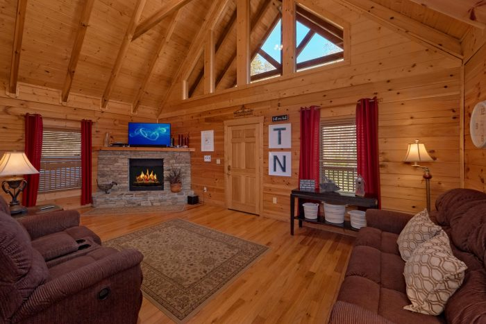 Private Pigeon Forge Cabin with Fireplace - American Pie