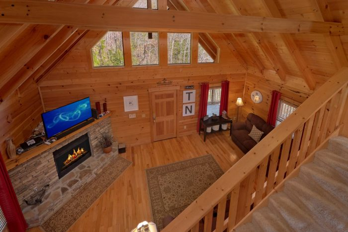 Luxury 3 Story Cabin with 2 Bedrooms - American Pie