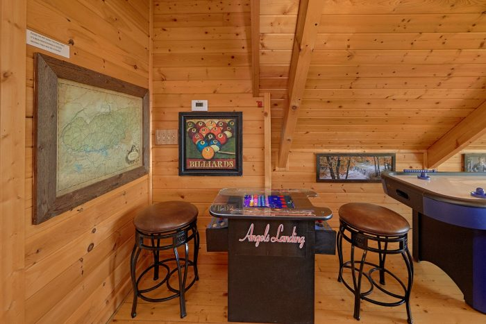 Cabin with Game Room, Pool Table and arcade - Angel's Landing