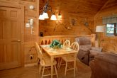 Cabin with Dining Room Table for 4