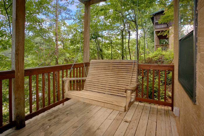 Cabin with Deck Swing, Hot Tub and Rocking Chair - Angel's Ridge