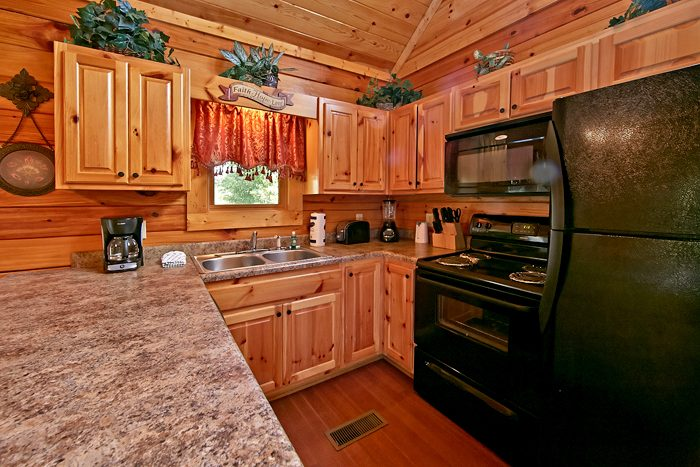 2 Bedroom Cabin with Fully Equipped Kitchen - Autumn Ridge
