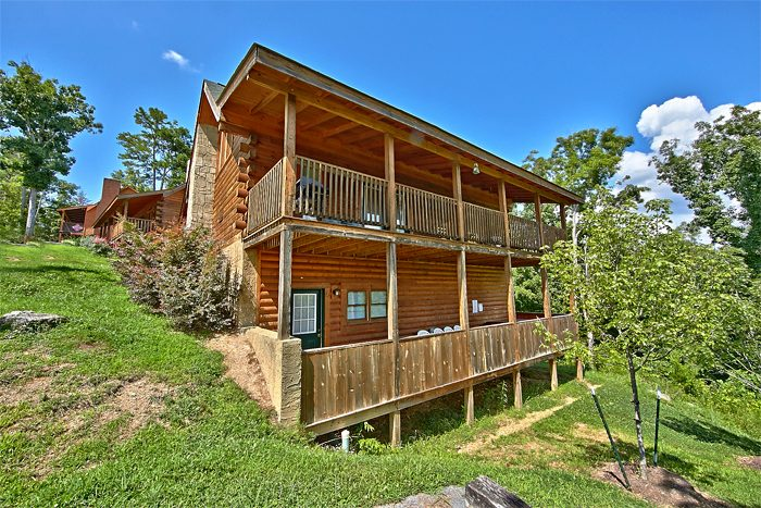 2 Bedroom Pigeon Forge Cabin Close to Parkway - Autumn Ridge