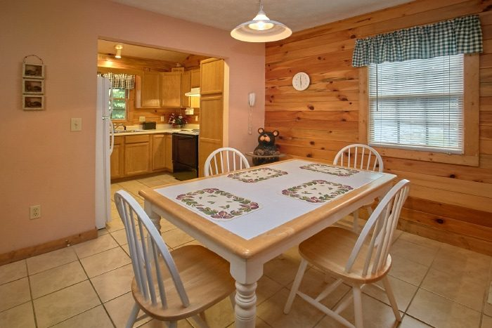 Cabin with Full Kitchen and Dining Room - B & D Hideaway