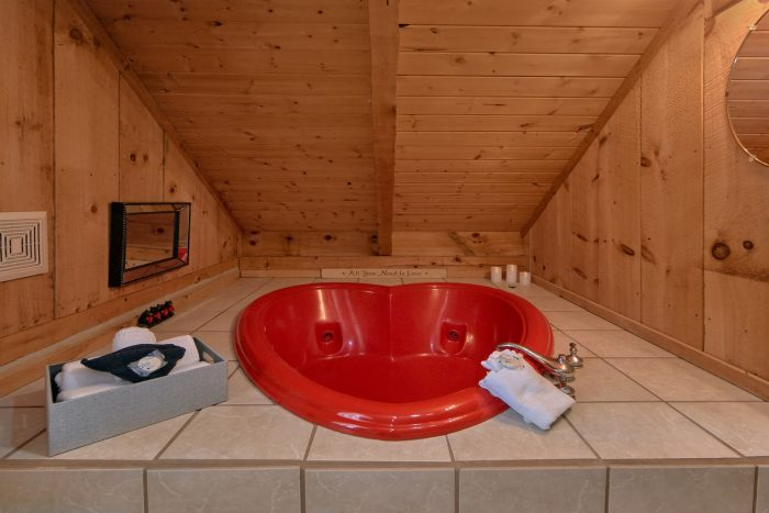 Heart Shape Jacuzzi Tub 1 Bedroom Cabin - Bare Kissin And Huggin