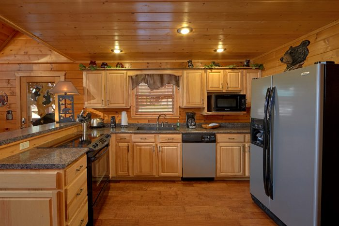 4 Bedroom Cabin with A Fully Stocked Kitchen - Bear Creek Lodge