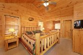 Premium 1 Bedroom Cabin with a King Bedroom