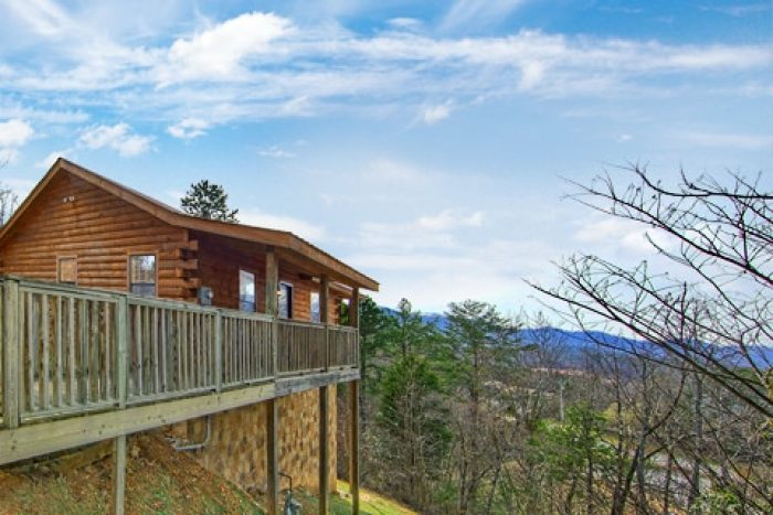 1 Bedroom Cabin Near Dollywood with Scenic Views - Bear Tracks