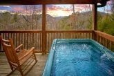 Secluded Honeymoon Cabin with Hot TUb