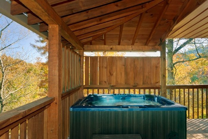 2 Bedroom Cabin with Private Hot Tub and View - Bearway To Heaven