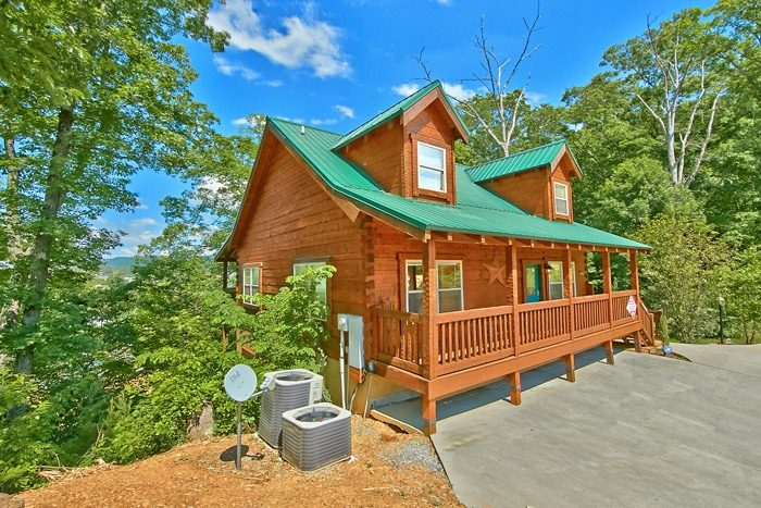 gatlinburg den cabin tn affordable rental for amazing cheap under the intended night to forge tennessee cubs rentals rent in and bedroom cabins car pigeon a most