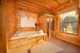 Luxurious 1 Bedroom Cabin with Sauna and Jacuzzi