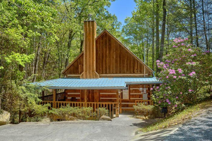 Cuddle Creek Cabin Cabin Rental Photo